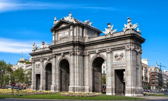Puerta-de-Alcalá-Visitar-el-símbolo-de-Madrid.jpg